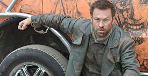 Grant-Bowler-as-Nolan-in-Defiance-Season-2-Episode-1