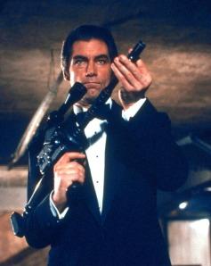 Licence-to-Kill-bond-05