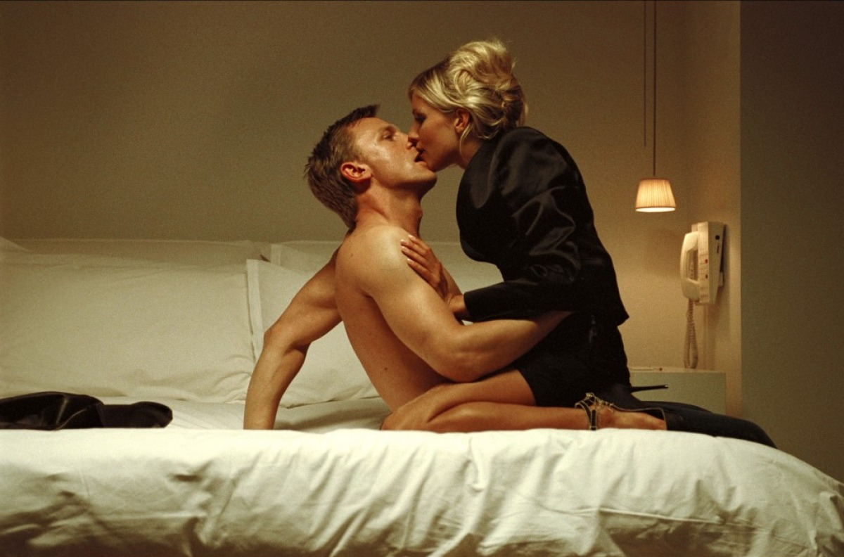 Daniel craig sex scene naked pictures