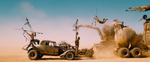Mad-Max-Fury-Road-First-Look-Comic-Con-Trailer-still-6